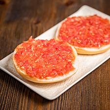 mini mollete con tomate